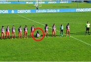 Viena futbolininkė atsisakė pagerbti D.Maradonos atminimą: paaiškino, kodėl atsuko nugarą