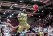 """""""Fenerbahče"""" sustiprins krepšininkas iš Kanados"""