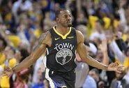"""""""Warriors"""" virtuvę atskleidęs A.Iguodala: """"Duranto sprendimą sugrįžti nulėmė spaudimas"""""""