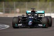 L.Hamiltonas su nauju rekordu sutriuškino varžovus, Ch.Leclercas išvengė baudos (papildyta)