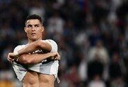 """""""Ferencvarosi"""" gynėjas apie marškinėliais apsikeisti atsisakiusį C.Ronaldo: """"Matyt, įsižeidė, kad neįmušė mums įvarčio"""""""