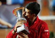 Istorinė diena N.Djokovičiui: laimėjo finalą, pagerino R.Nadalio rekordą ir aplenkė P.Samprasą