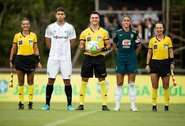 """Neįprastame mače """"Gremio"""" paaugliai sutriuškino Brazilijos moterų futbolo rinktinę"""