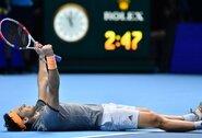 """Įspūdingiausiame """"ATP Finals"""" mače – D.Thiemo fantastiškas sugrįžimas, pergalė prieš N.Djokovičių ir bilietas į pusfinalį"""