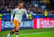 """Pirmasis vasaros pirkinys: """"Man City"""" už 23mln. eurų įsigijo """"Valencia"""" žaidėją"""
