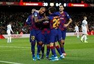 """""""Barcelona"""" raitojasi rankoves: rinkoje rado, kas galėtų pakeisti traumuotą L.Suarezą"""