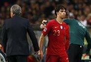 """""""Benfica"""" svarsto įspūdingą 126 mln. eurų """"Atletico"""" pasiūlymą už J.Felixą"""
