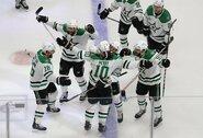 """C.Perry išgelbėjo """"Stars"""" sezoną: NHL superfinale prireiks 6-ųjų rungtynių"""