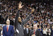 Toronte K.Leonardui įteiktas NBA čempionų žiedas