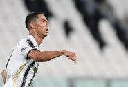 """Pamatykite: pasakiškas C.Ronaldo įvartis į """"Lyon"""" vartus"""