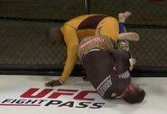"""""""Submission Underground 12"""": C.Jonesas kojos laužimo veiksmu nugalėjo ilgametį UFC kovotoją"""