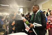 """Pradėtas tyrimas dėl M.Ujiri veiksmų """"Raptors"""" tapus čempione"""