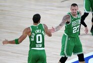 """""""Celtics"""" prieš NBA čempionus pirmavo 40 taškų persvara"""