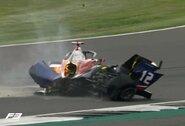 """Rimta avarija """"Formulės 3"""" lenktynėse: po susidūrimo """"nuplėštas"""" visas bolido galas"""