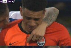 """Pamatykite: į rasizmą sureagavęs """"Shakhtar"""" futbolininkas """"apdovanotas"""" raudona kortele"""