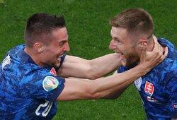Lenkai pelnė antrą greičiausią įvartį po pertraukos Europos čempionatų istorijoje, tačiau likę dešimtyje pralaimėjo slovakams