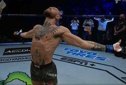 """C.McGregoras pareikalavo UFC sukurti antrą specialų diržą, bilietai į airio kovą – """"iššluoti"""""""