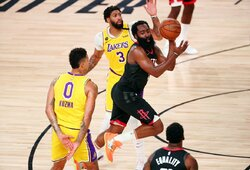 """J.Hardenas pasiuntė """"Lakers"""" į dar vieną pralaimėjimą"""