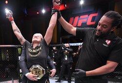 Visiškas dominavimas: A.Nunes nepaliko jokių vilčių F.Spencer ir padarė tai, ko UFC nebuvo pavykę padaryti dar niekam