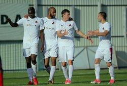 """Lemiamas mūšis Kipre: """"APOEL"""" 1 – 0 """"Sūduva"""" (1 kėlinys, GYVAI)"""