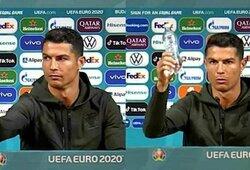 """""""Coca-Cola"""" patraukęs ir gerti vandenį rekomendavęs C.Ronaldo gazuotų gėrimų kompanijai kainavo 4milijardus JAV dolerių"""