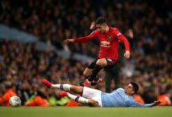 """""""Manchester United"""" laimėjo Mančesterio derbį, bet iškrito iš taurės turnyro"""