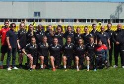 Moterų A lygos startas – 16 įvarčių į vienus vartus ir tikslus vartininkės smūgis