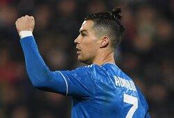 Simboliška: 1000-ąsias karjeros rungtynes sužaidęs C.Ronaldo pelnė įvartį