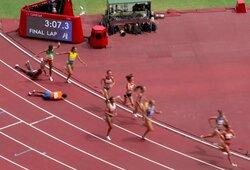 Įspūdingas kovingumas: prieš paskutiniuosius metrus parkritusi Nyderlandų bėgikė vis tiek sugebėjo aplenkti visas varžoves