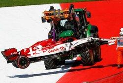 Austrijoje – S.Vettelio kvailystė, dvi baudos L.Hamiltonui, ratą pametęs K.Raikkonenas ir vos 11 finišavusių bolidų
