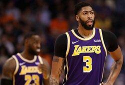 """""""Lakers"""" tritaškiais pribaigė """"Suns"""" komandą"""