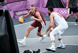 Iš gatvės sporto į olimpines žaidynes: debiutiniame 3x3 krepšinio turnyre pergalėmis pradėjo Latvijos ir Serbijos rinktinės