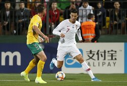 """Vieno žmogaus šou: """"pokerį"""" pelnęs ir Europos rekordą pagerinęs C.Ronaldo dominavo prieš Lietuvos rinktinę"""