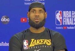 """Pralaimėtą 2011m. NBA finalą prisiminęs L.Jamesas: """"Nesame patenkinti laimėdami vienerias rungtynes"""""""