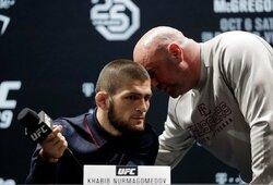 """Ch.Nurmagomedovą pribloškė UFC """"kovų sala"""", C.McGregoras metė iššūkį 74-erių vyrui"""