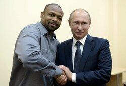 """R.Joneso agentas: """"Jis myli Rusiją ir nori čia persikelti visam laikui"""""""
