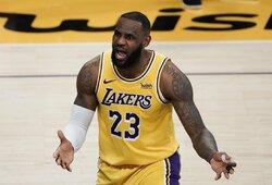 """Los Andžele – netikslus lemiamas L.Jameso metimas ir """"Warriors"""" pergalė"""