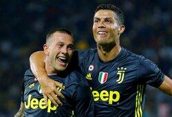 """""""Barcelona"""" siūlo du savo žaidėjus už """"Juventus"""" žvaigždę"""