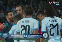 Argentinos žiniasklaida atskleidė, ką L.Messi atsakė E.Cavani konflikto metu