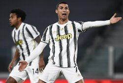 Akibrokštas C.Ronaldo: niekada nepasieks Pele, Maradonos ir Messi lygio?