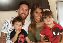 Pamatykite privatų12 mln. svarų vertės L.Messi lėktuvą: vardai ant laiptų ir aštuonios lovos