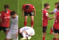 Daug diskusijų sukėlęs epizodas Anglijos antroje lygoje: laisvą smūgį atlikti trukdęs žaidėjas buvo brutaliai pargriautas, po geltoną kortelę gavo abu žaidėjai