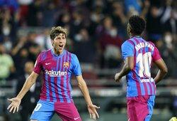 """""""Barcelona"""" nutraukė keturių iš eilės """"sausų"""" rungtynių seriją: įmušė tris įvarčius ir nugalėjo """"Valencia"""""""