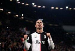 """G.Buffonas įsimušė į savo vartus, bet """"Juventus"""" žengė į Italijos taurės pusfinalį"""