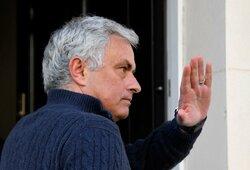 """J.Mourinho nepasiduoda: """"Man nereikia pertraukos nuo futbolo"""""""