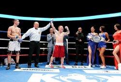 """Šešių raundų kovoje jauną estą įveikęs E.Petrauskas užsijuosė """"Dream Boxing"""" Baltijos šalių čempiono diržą, """"MMA Bushido"""" pasaulio čempionu greičiau nei per 2min. tapo Ž.Ramaška"""