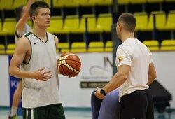 Devyniolikmečiai po atkaklios kovos nusileido NBA žaidėjo brolio vedamiems bendraamžiams iš Latvijos