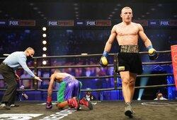 J.DeLoachas prabilo po pralaimėjimo, E.Stanionis sužavėjo bokso gerbėjus