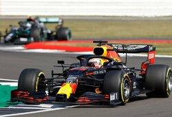 """Lemiamą lenkimą atlikęs M.Verstappenas nutraukė """"Mercedes"""" dominavimą"""