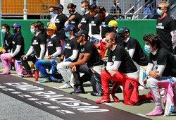 """Prieš """"Formulės 1"""" lenktynes nesiklaupė tik 6 pilotai, M.Verstappenas pasiaiškino"""